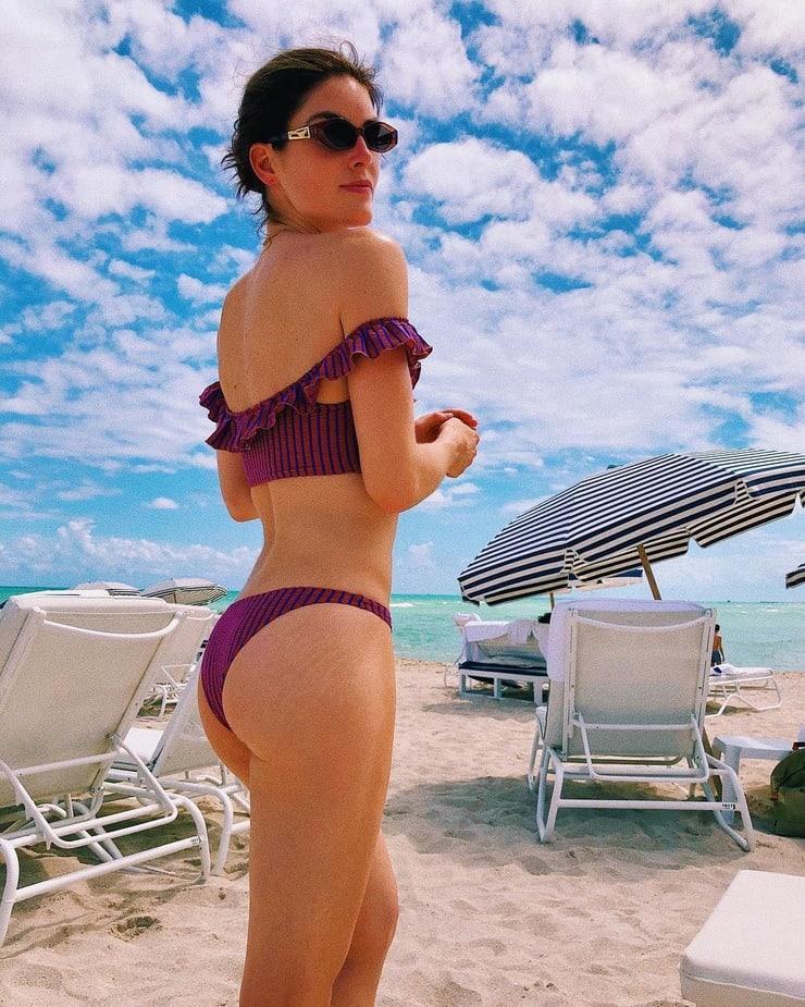 Hilary Rhoda big ass pics