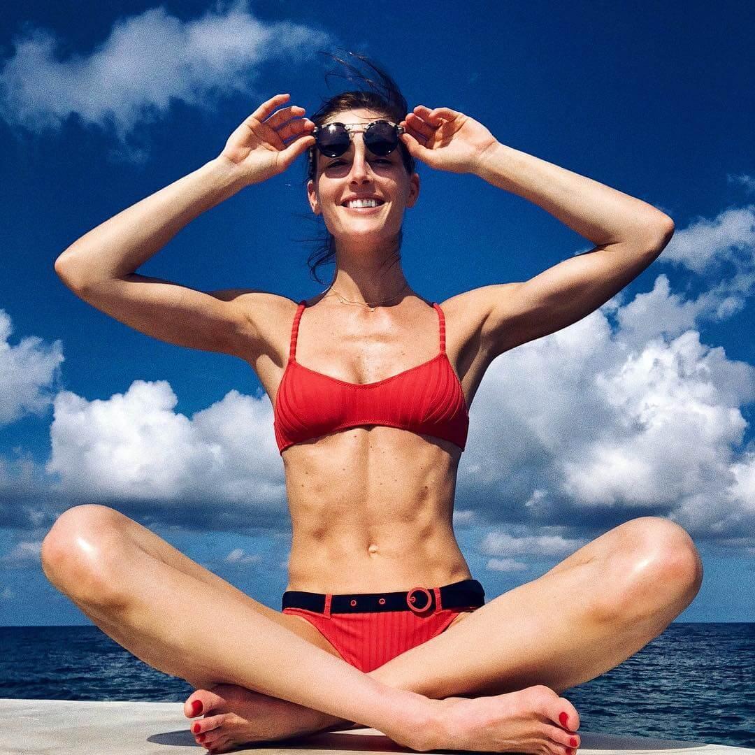 Hilary Rhoda hot bikini pics