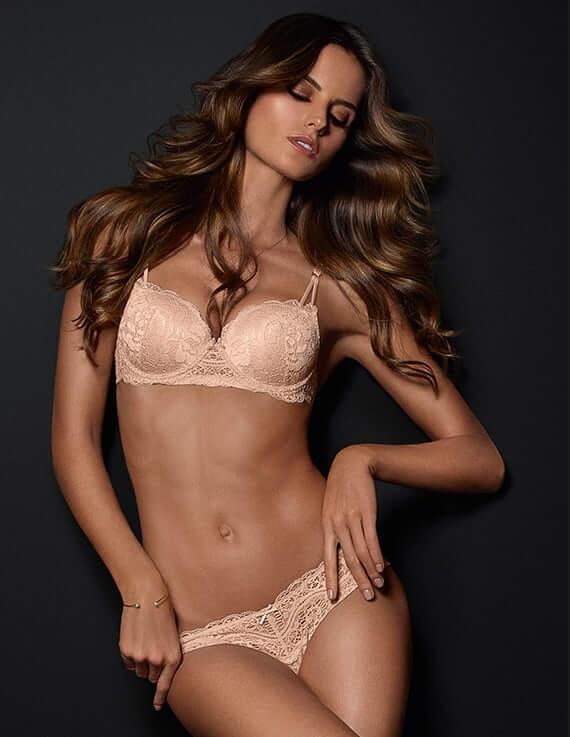 Izabel Goulart big boobs pics