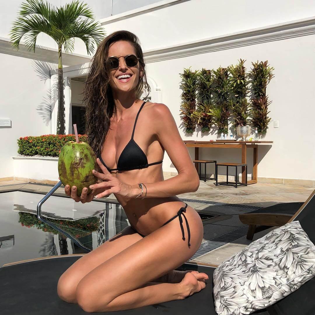 Izabel Goulart hot lingerie pics