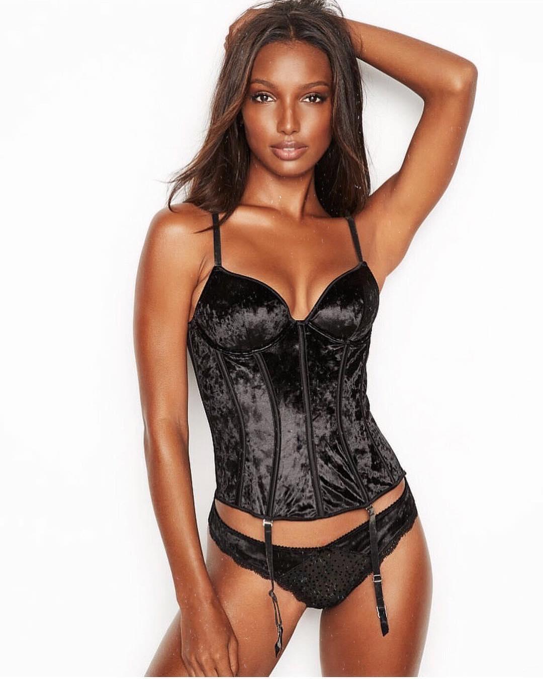 Jasmine Tookes sexy lingerie pics