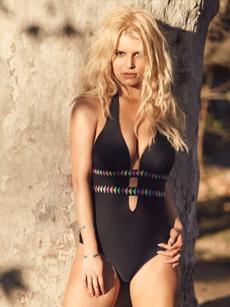 Jessica Simpson hot lingerie pics