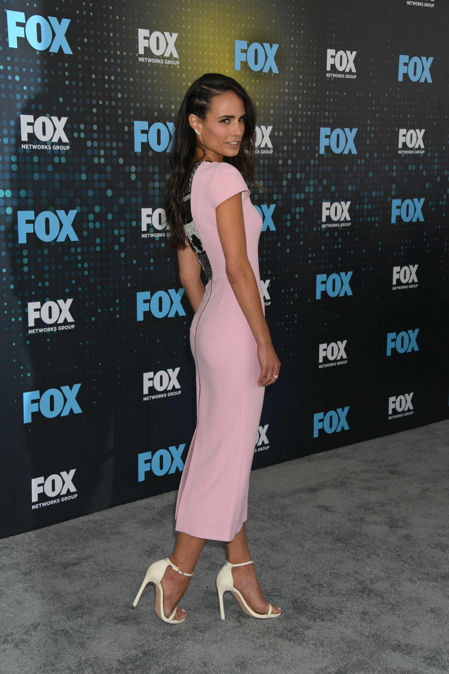 Jordana Brewster sexy side butt pics