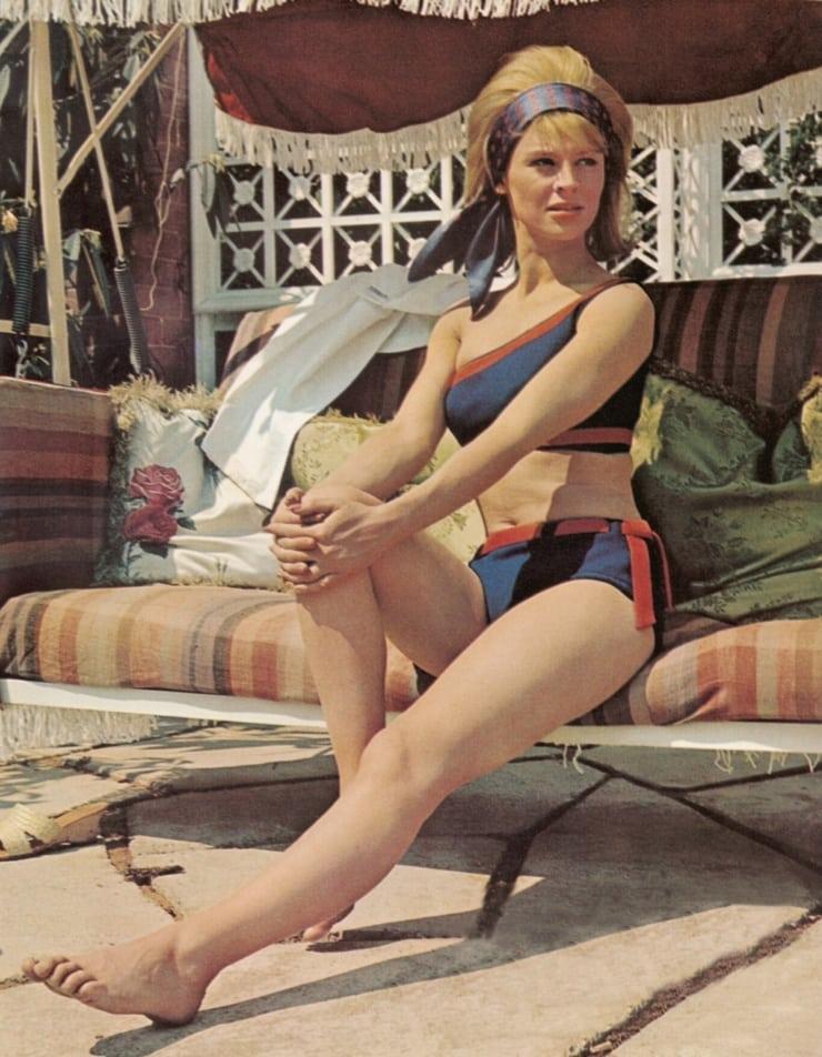 Julie Christie hot bikini pics