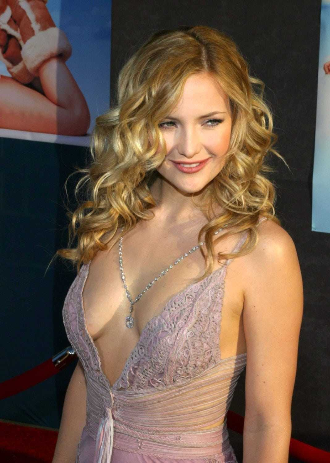 Kate Hudson sexy side boobs pictures