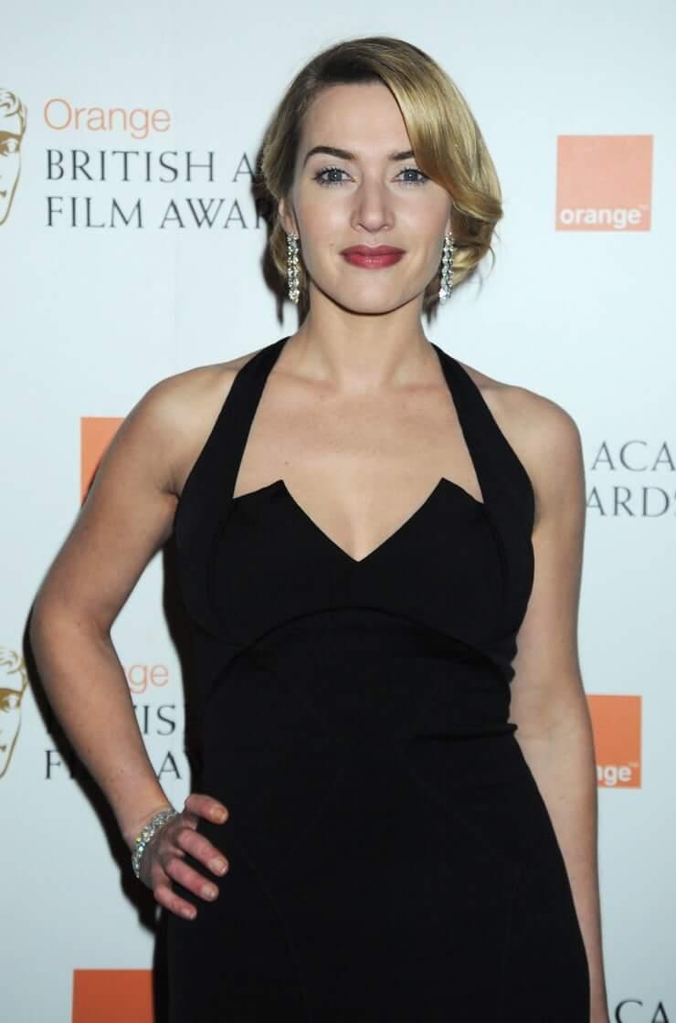 Kate Winslet amazing boobs pics