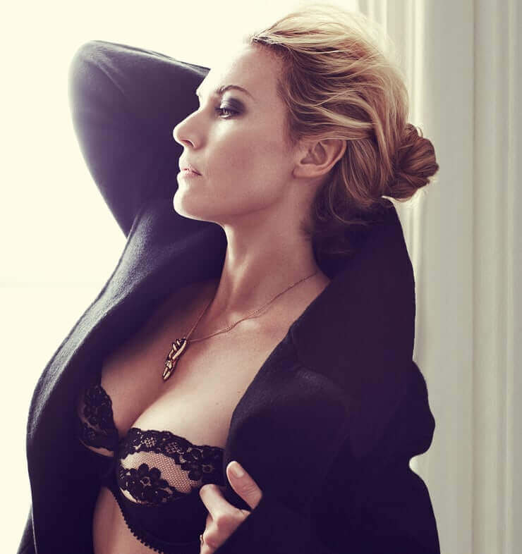 Kate Winslet boobs pictures