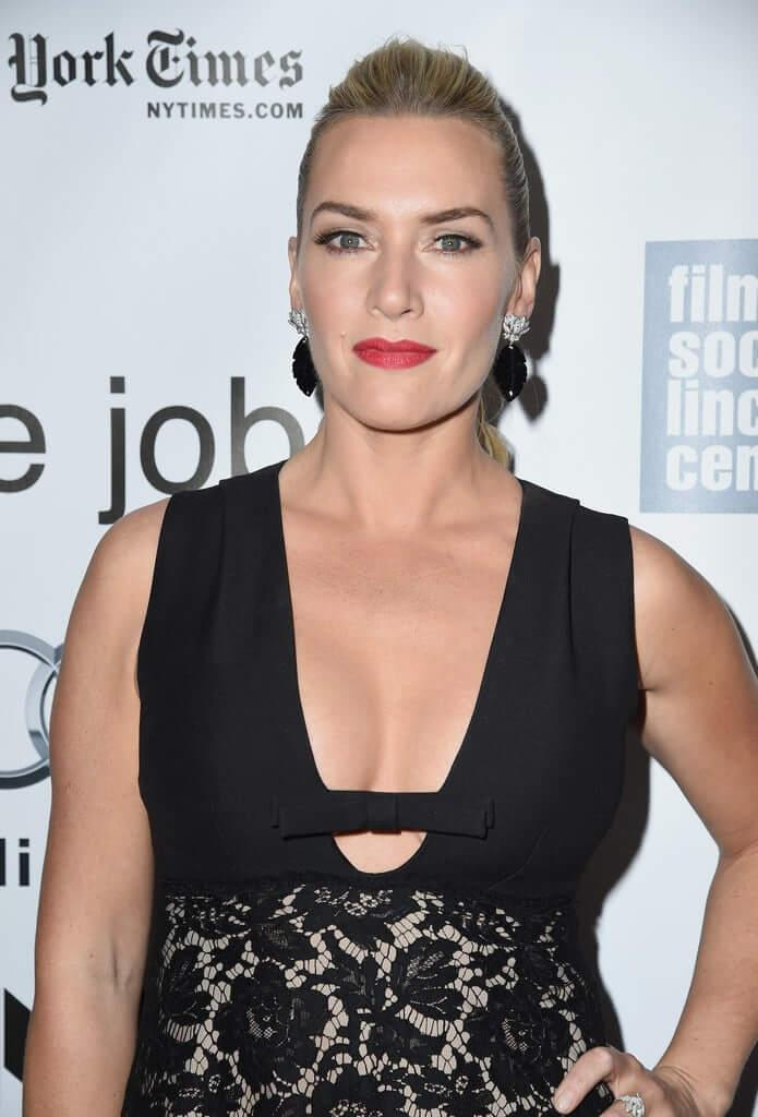 Kate Winslet sexy cleavage pic