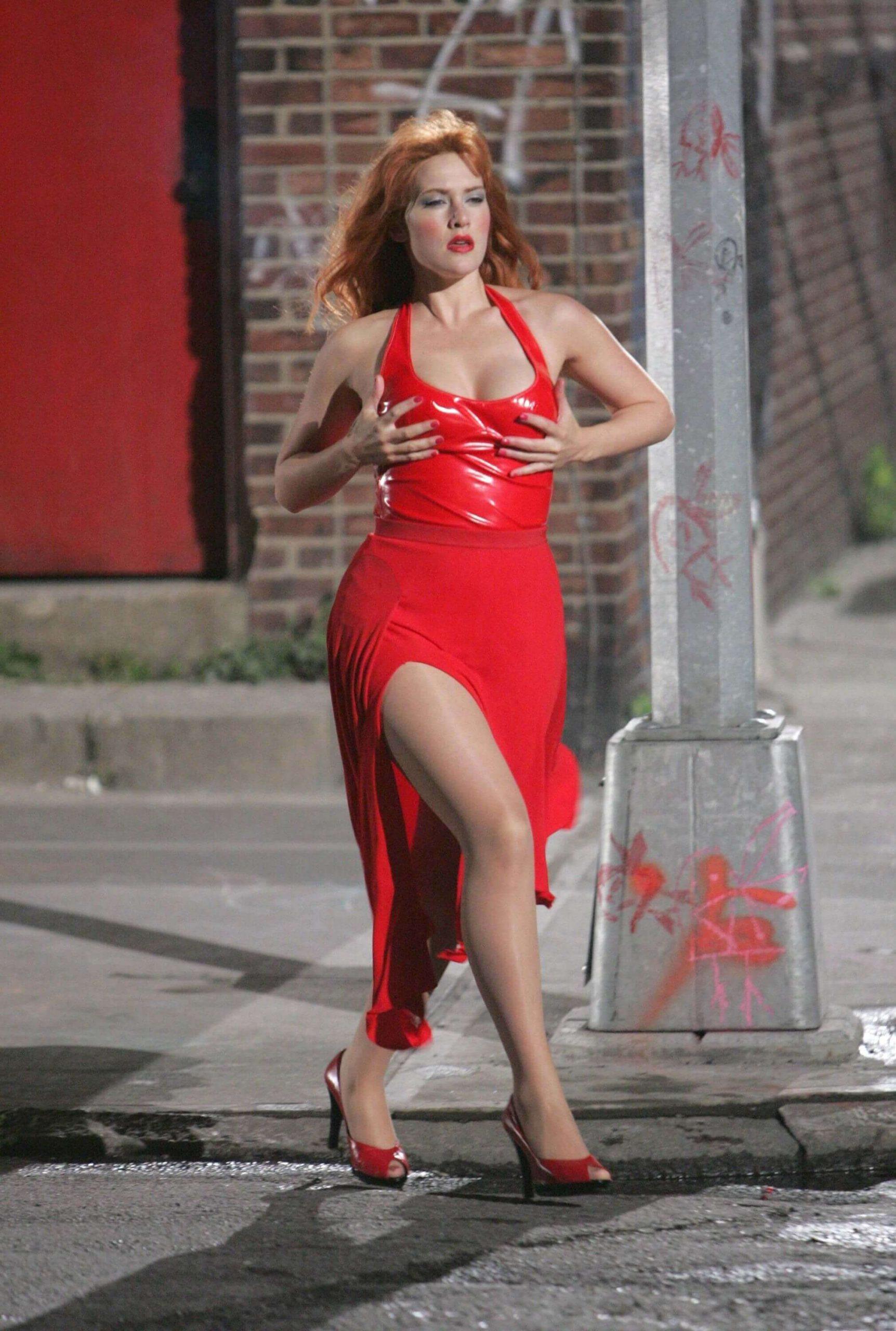 Kate Winslet sexy dress pics