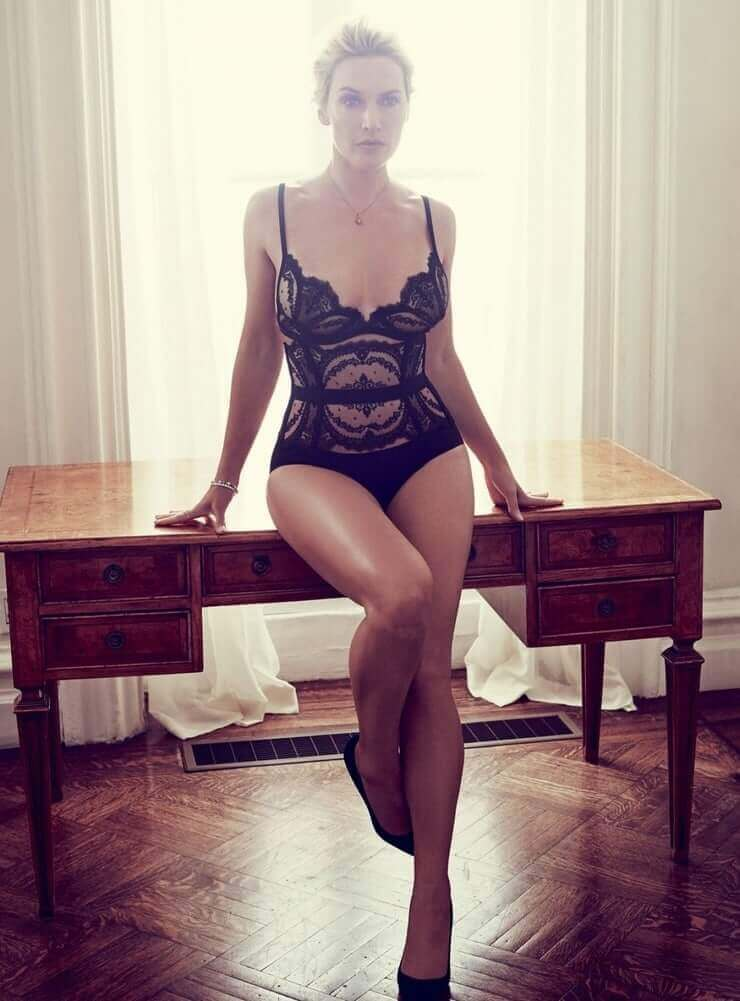 Kate Winslet sexy lingerie pics