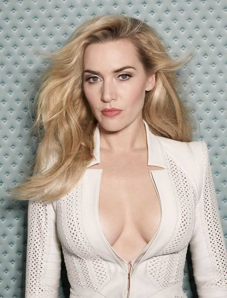 Kate Winslet sexy tits pics