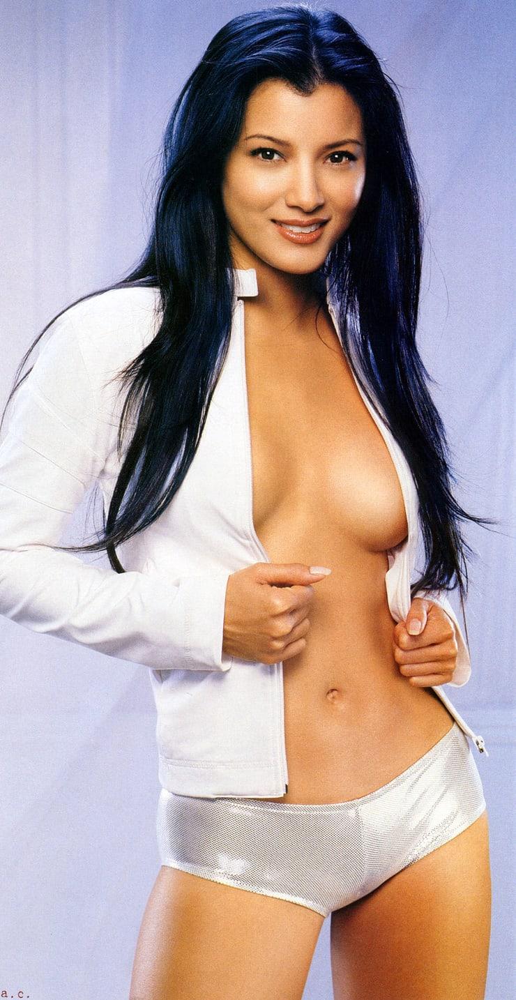 Kelly Hu sexy side boobs pics