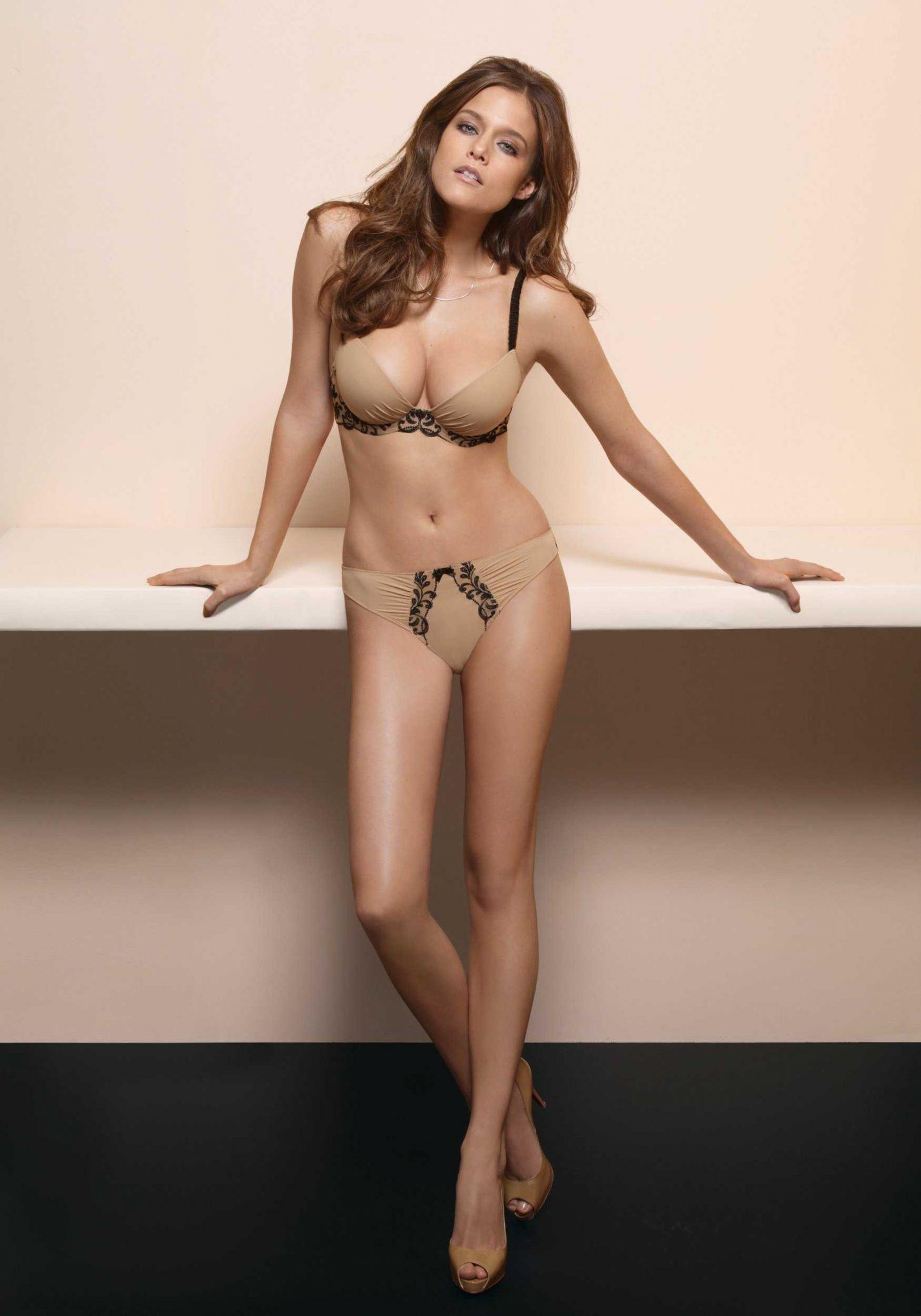 Kim Cloutier big busty pics (2)