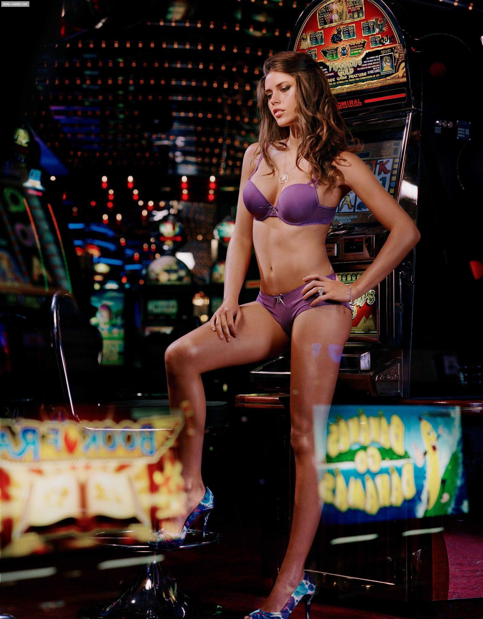 Kim Cloutier sexy pics