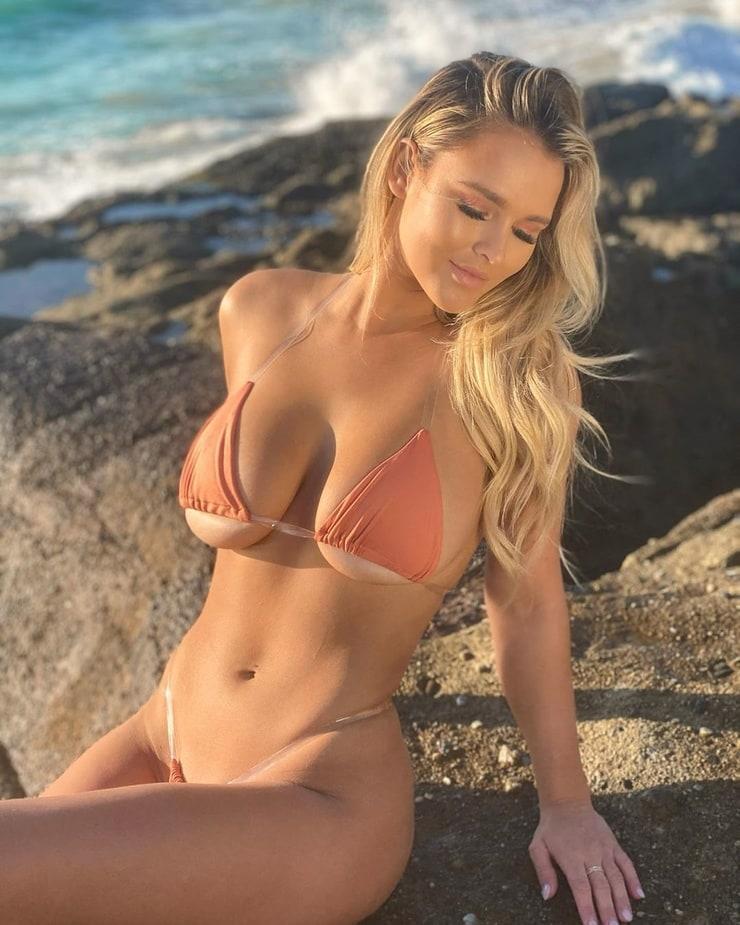 Kinsey Wolanski hot pics