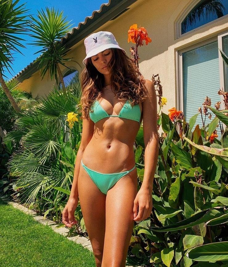 Kyra Santoro sexy photos