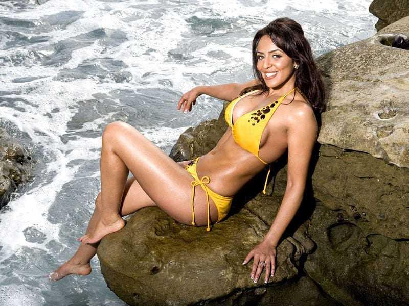 Layla El amazing tits pics