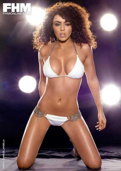 Layla El hot bikini pictures