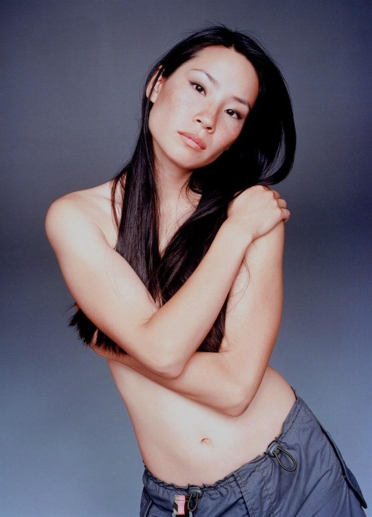 Lucy Liu topless pics