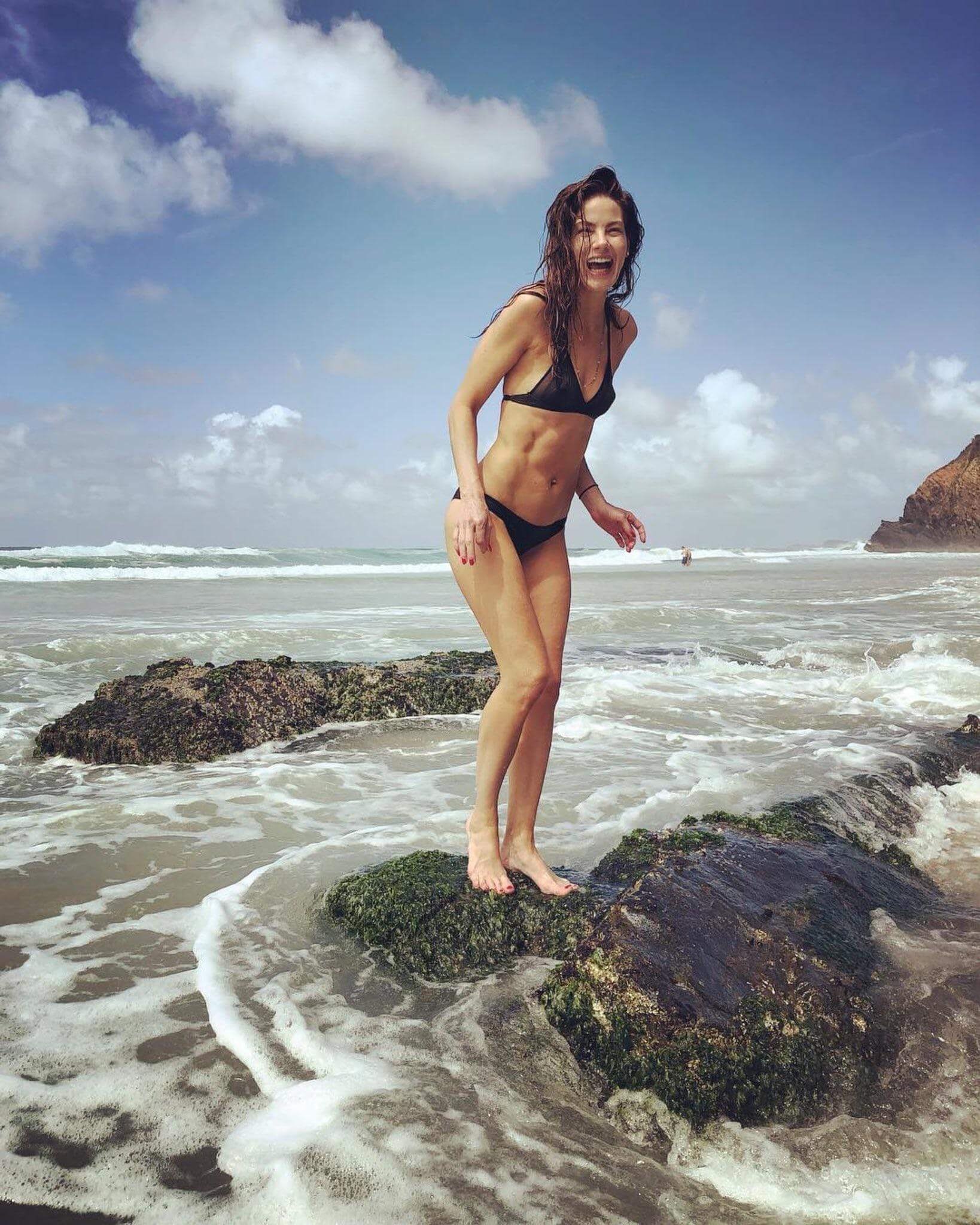 Michelle Monaghan hot look pics