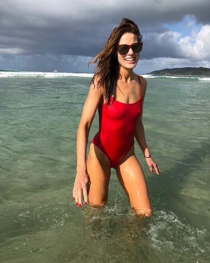 Michelle Monaghan hot pics
