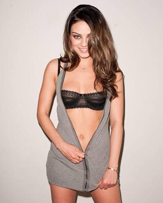 Mila Kunis boobs pics