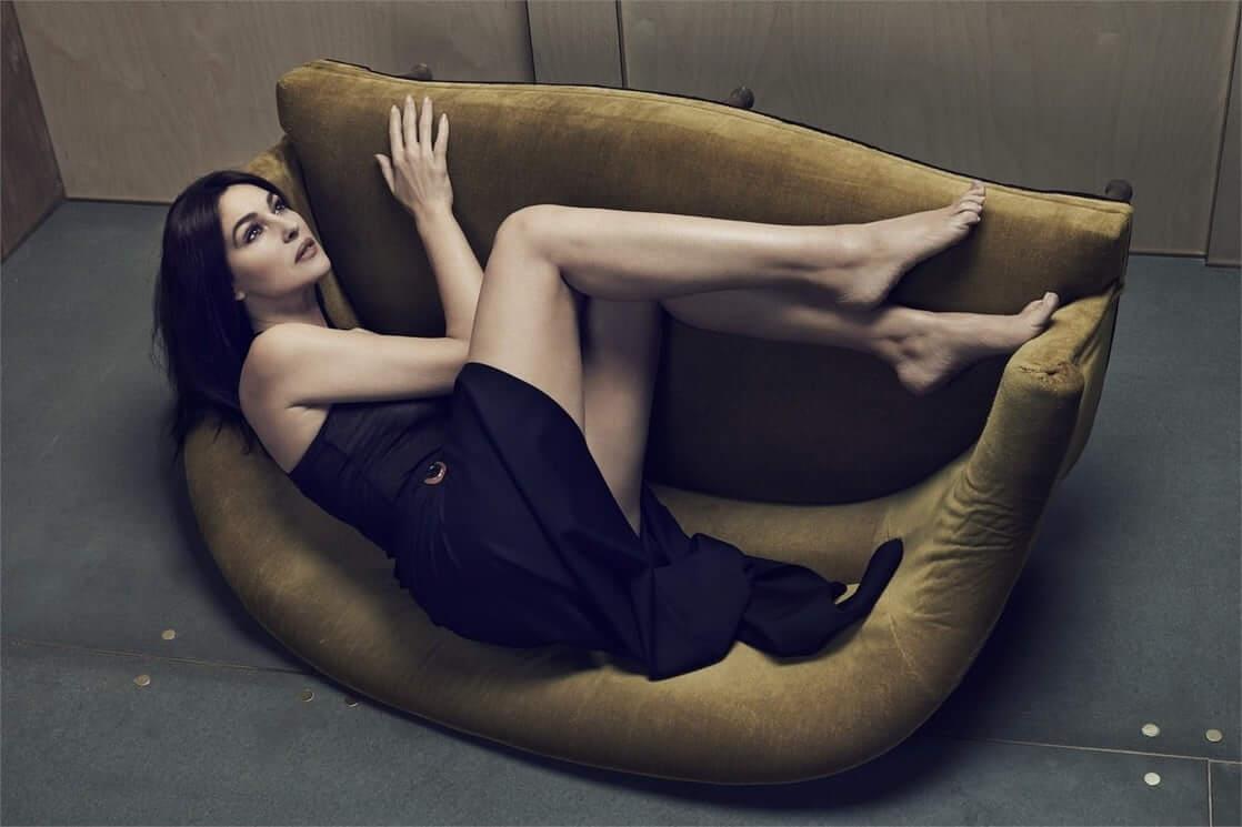 Monica Bellucci sexy ass pic