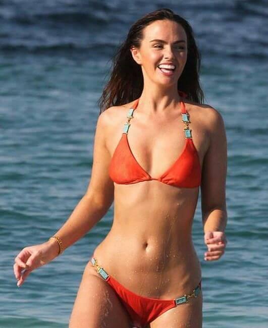Natalie Portman hot bikini pics