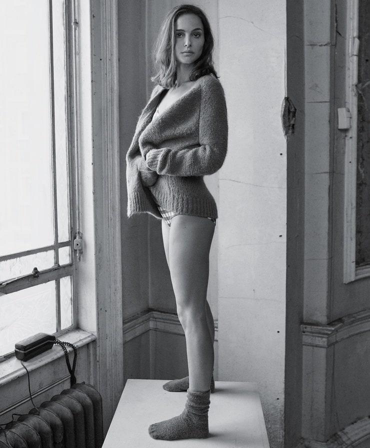 Natalie Portman hot booty pics