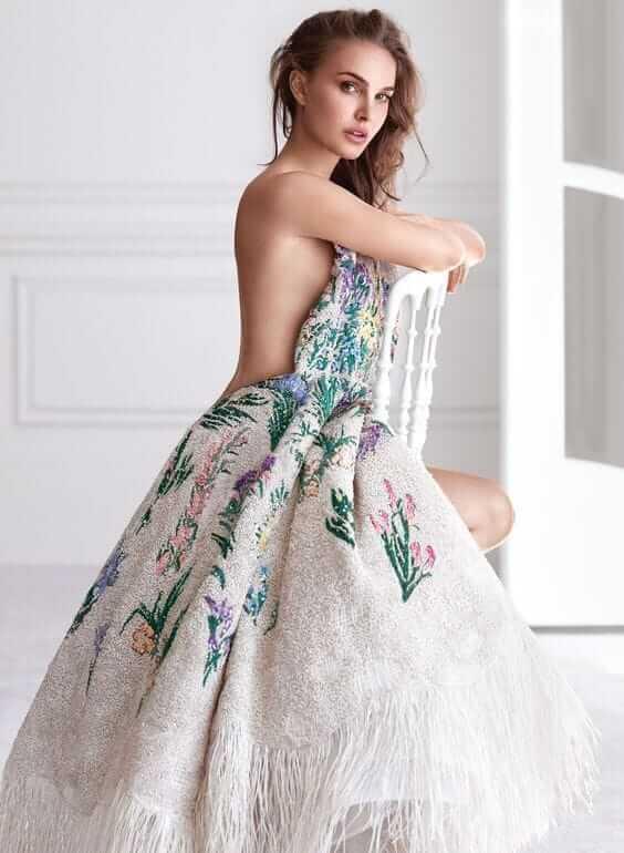 Natalie Portman hot look pics