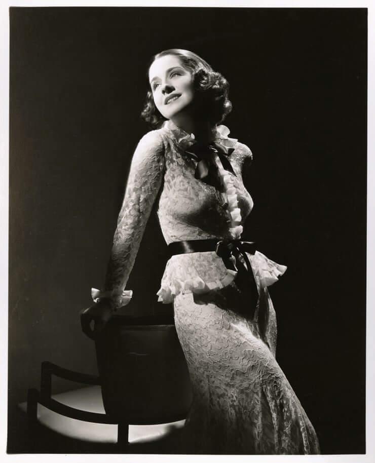 Norma Shearer amazing boobs pics