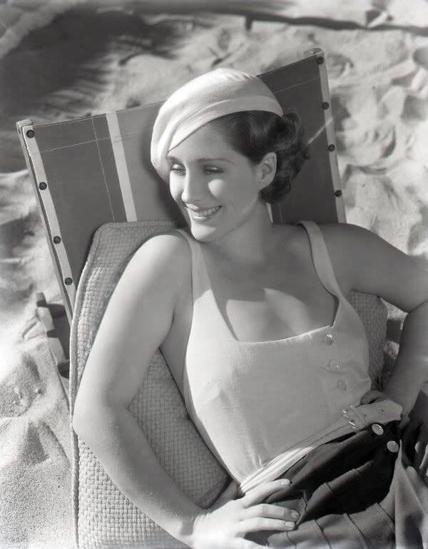 Norma Shearer big busty pics