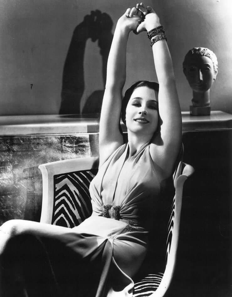 Norma Shearer hot look pics