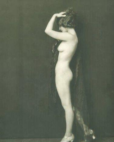 Norma Shearer naked pics