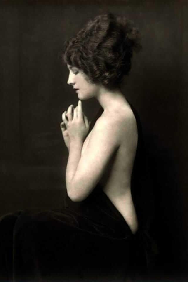 Norma Shearer sexy nude pics