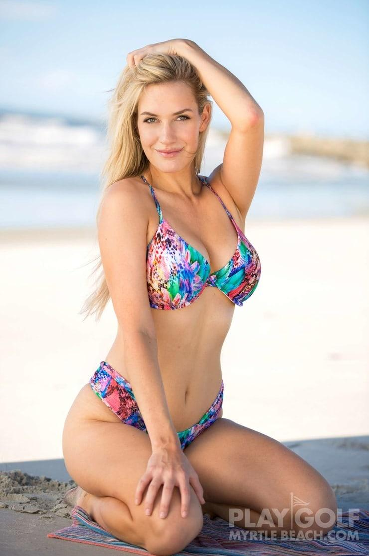 Paige Spiranac hot pic