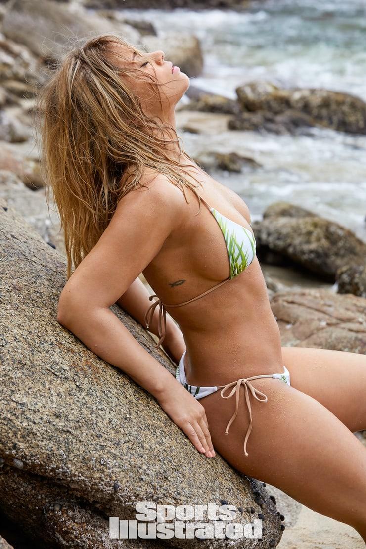 Paige VanZant big busty pics