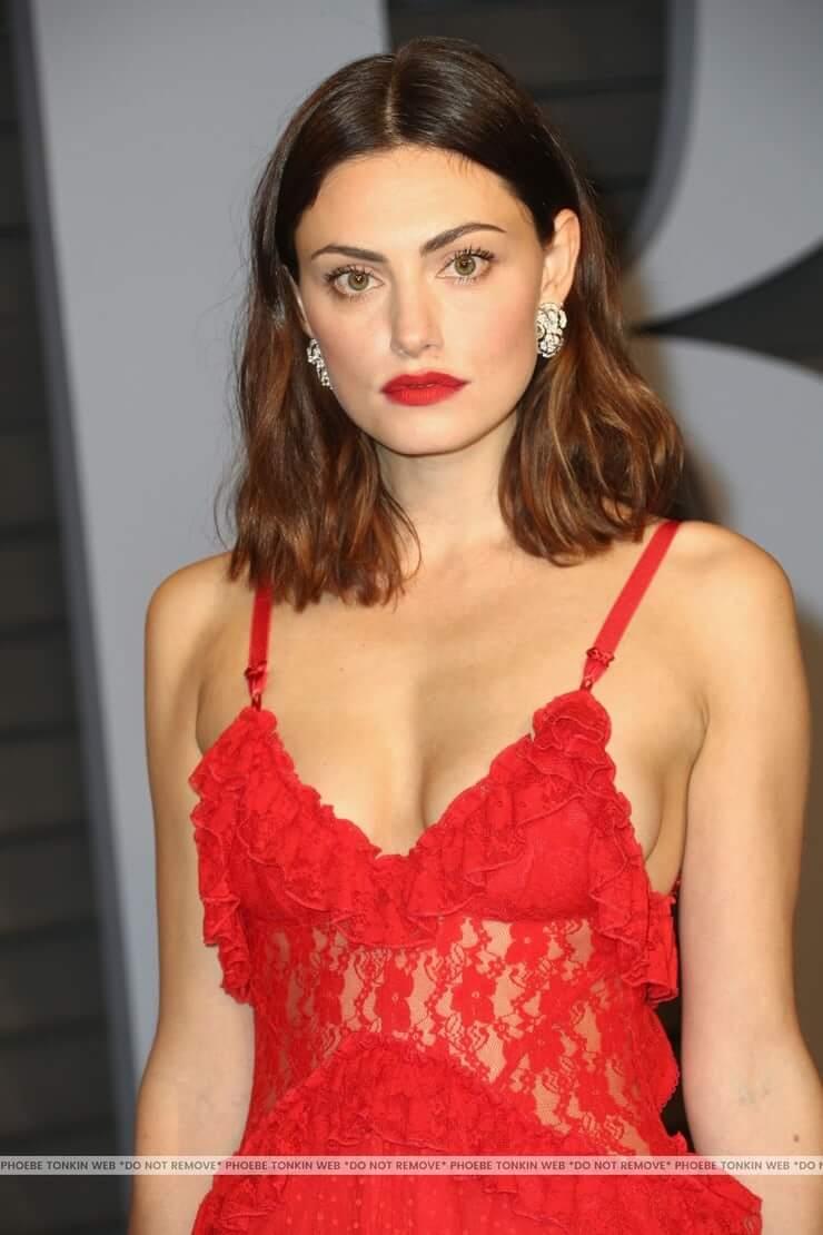 Phoebe Tonkin sexy tits pics
