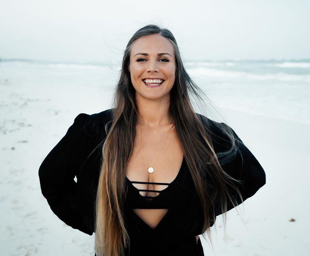 Rachel Brathen cleavage pics