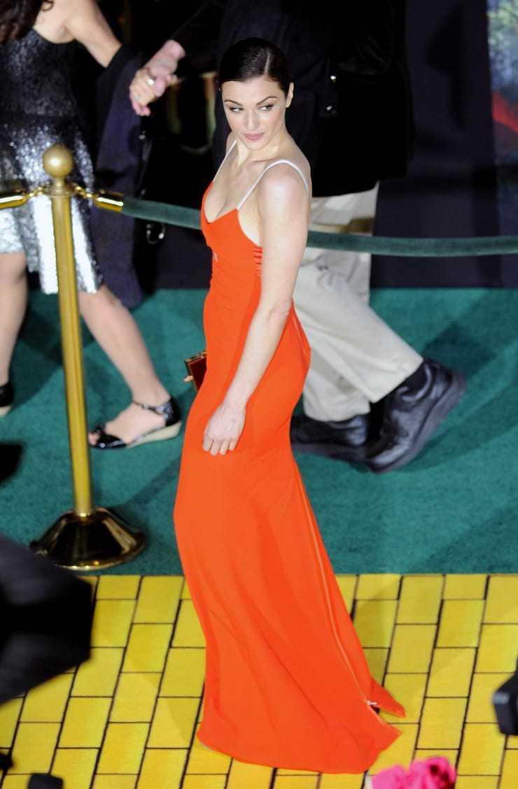 Rachel Weisz hot look pictures