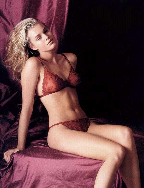 Rebecca Romijn sexy pic