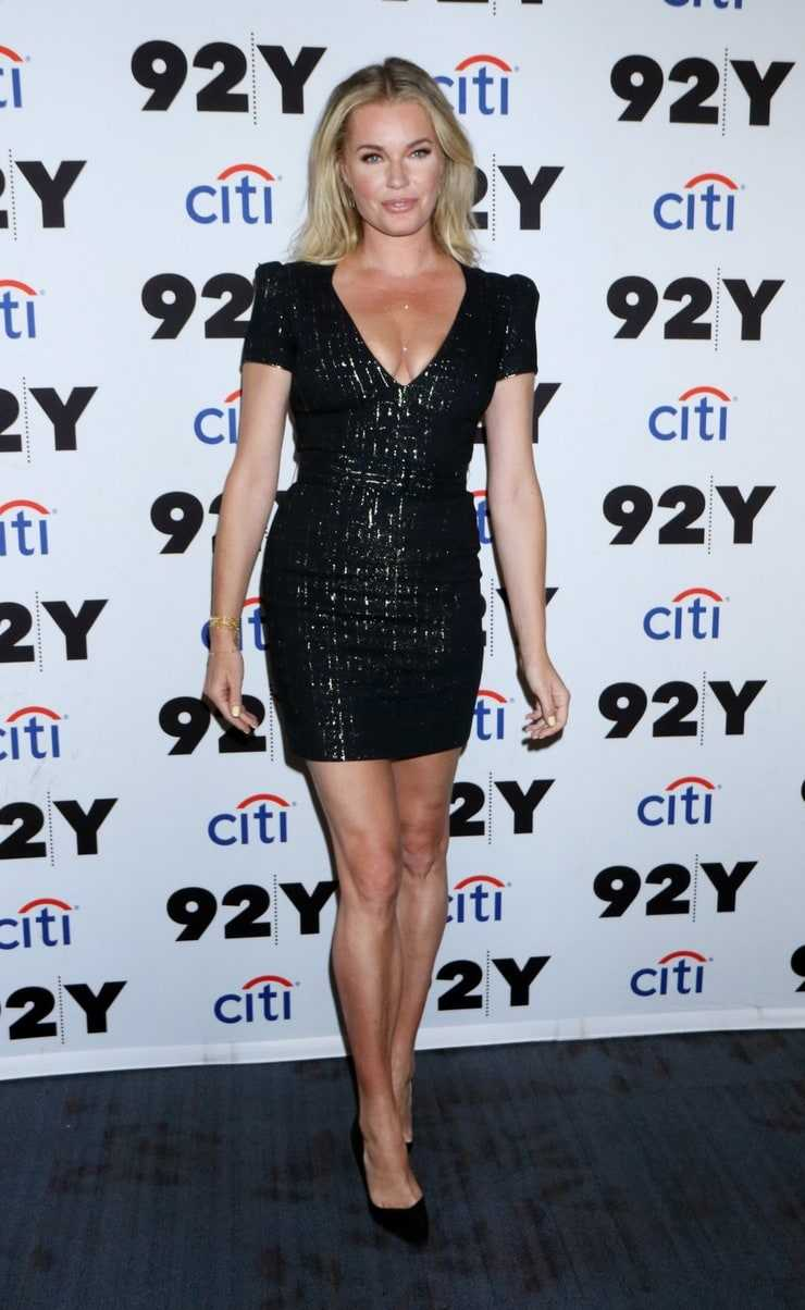 Rebecca Romijn sexy pictures (2)
