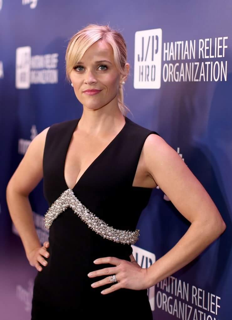Reese Witherspoon hot look pics