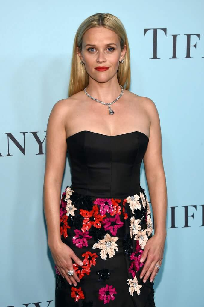 Reese Witherspoon topless pics