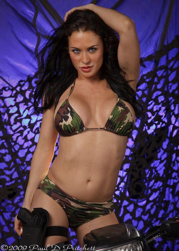 Rochelle Loewen hot pic