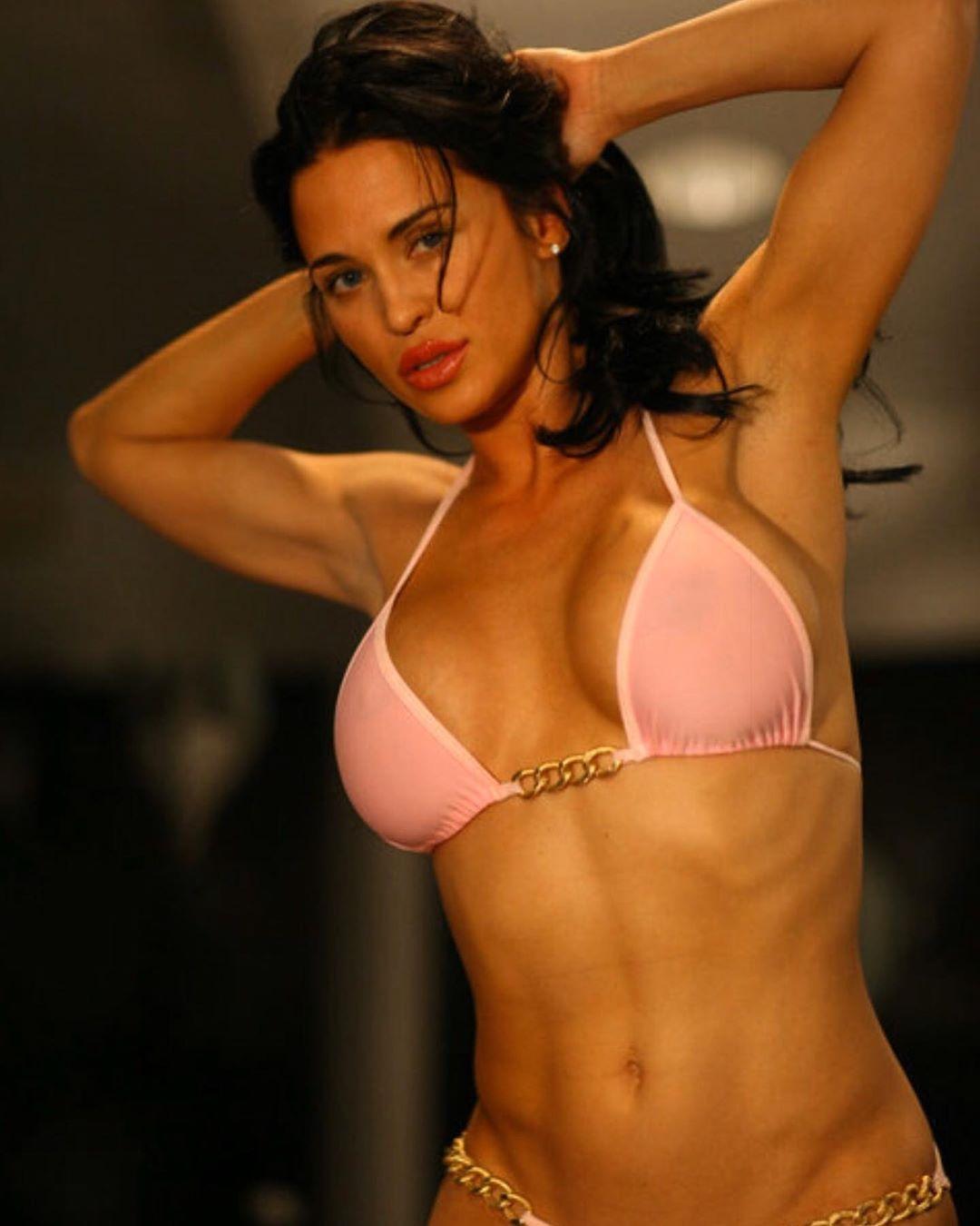 Rochelle Loewen sexy look