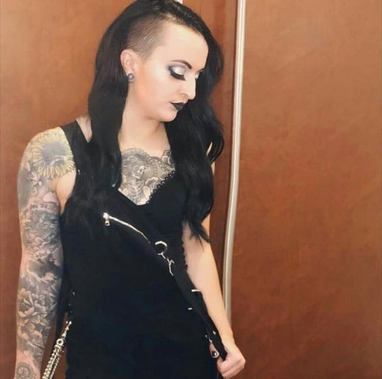 Ruby Riot hot look