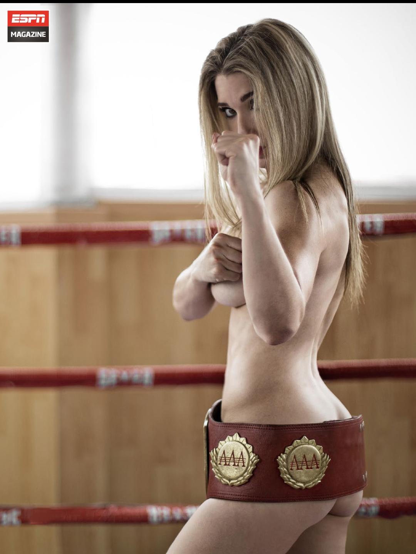 Sexy Star topless pics