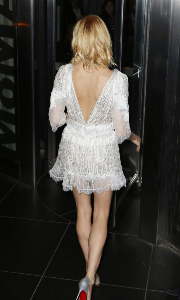 Sienna Miller sexy back pics