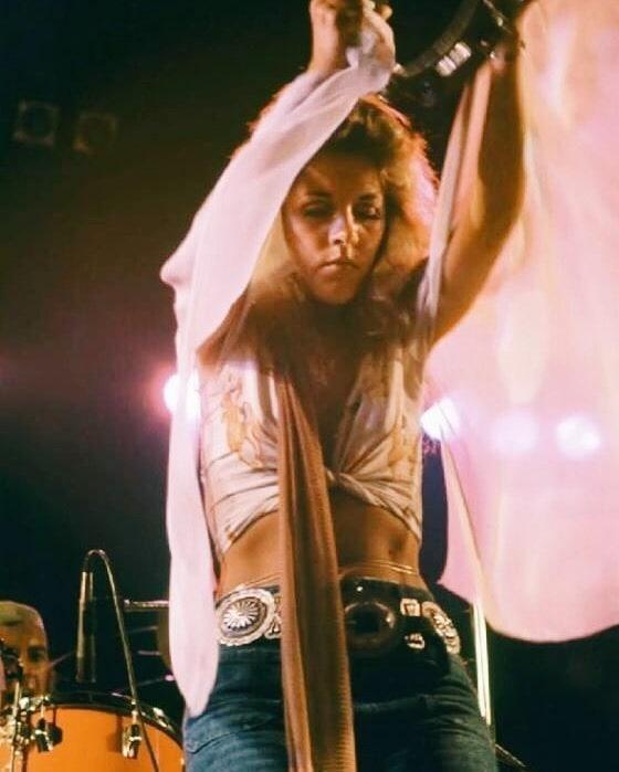 Stevie Nicks hot look pic
